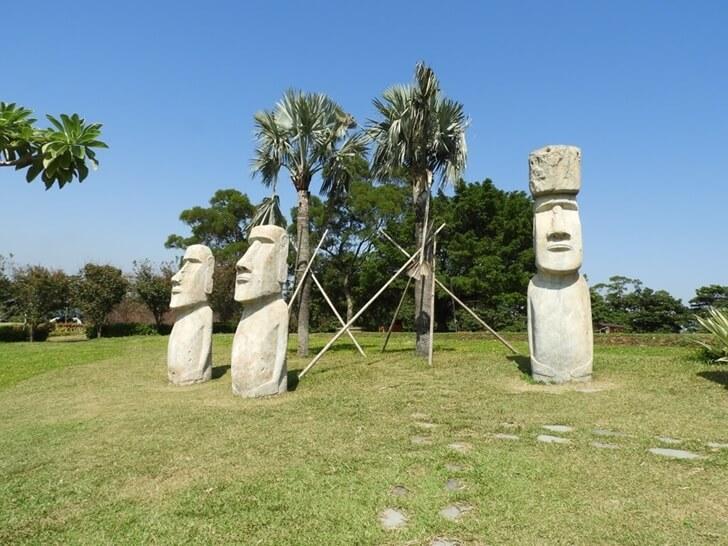 復活節島的摩艾石像